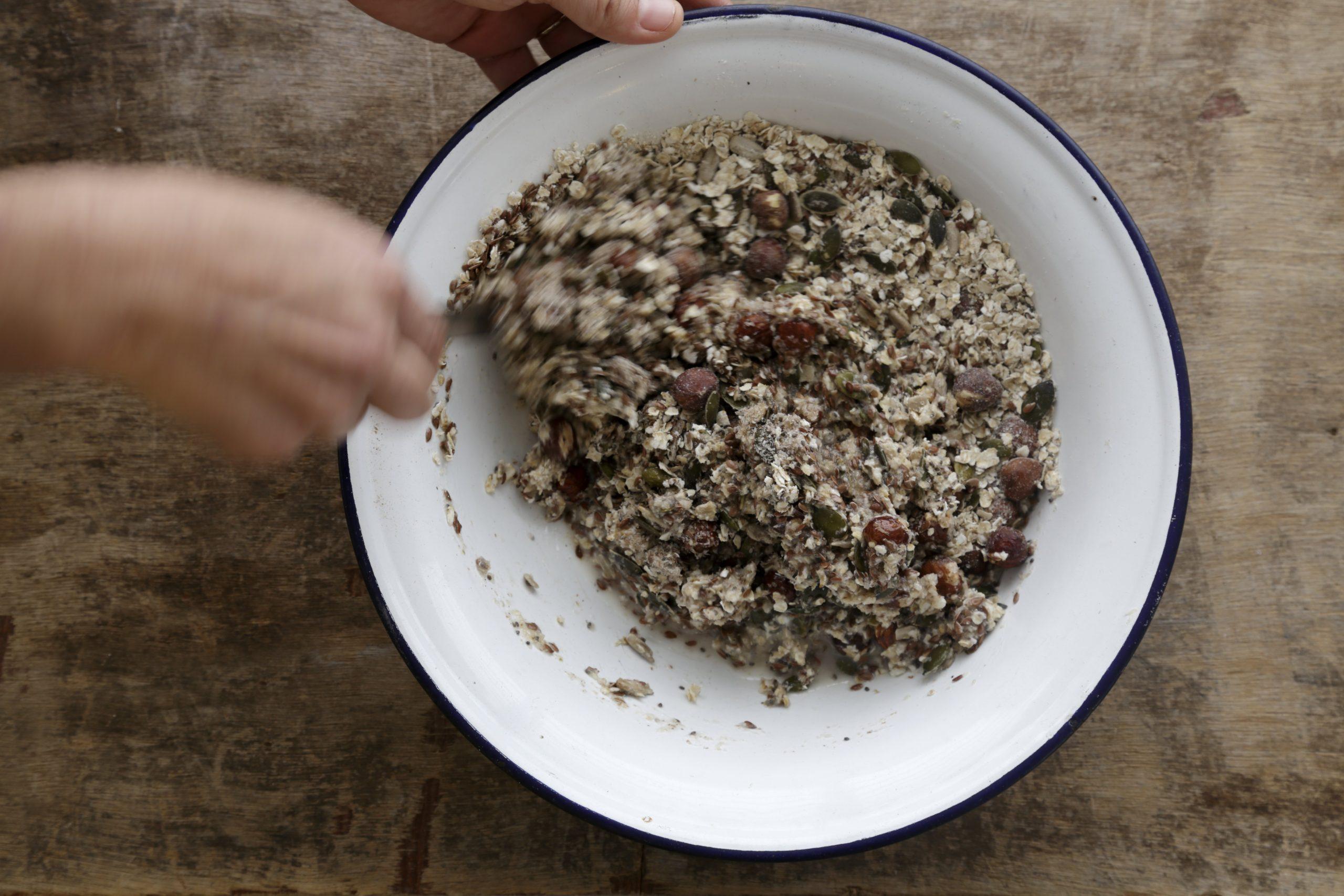 שלב שלישי - מתכון לחם שיבולת שועל וגרעינים בצ'יק צ'ק