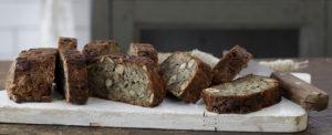 לחם שיבולת שועל וגרעינים